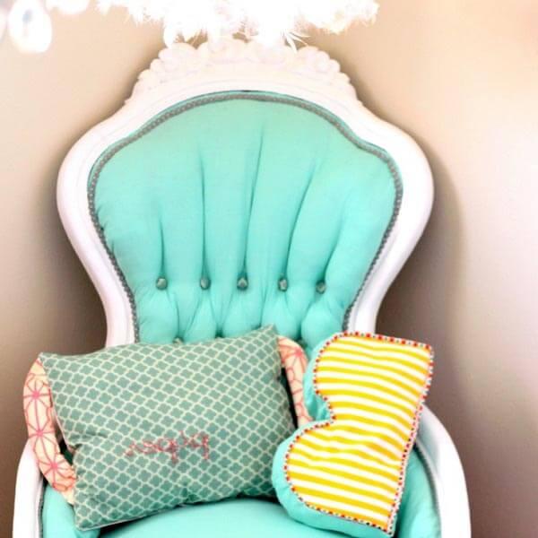 Otro gran silla tapizada